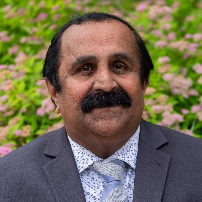 Suresh Arangath headshot